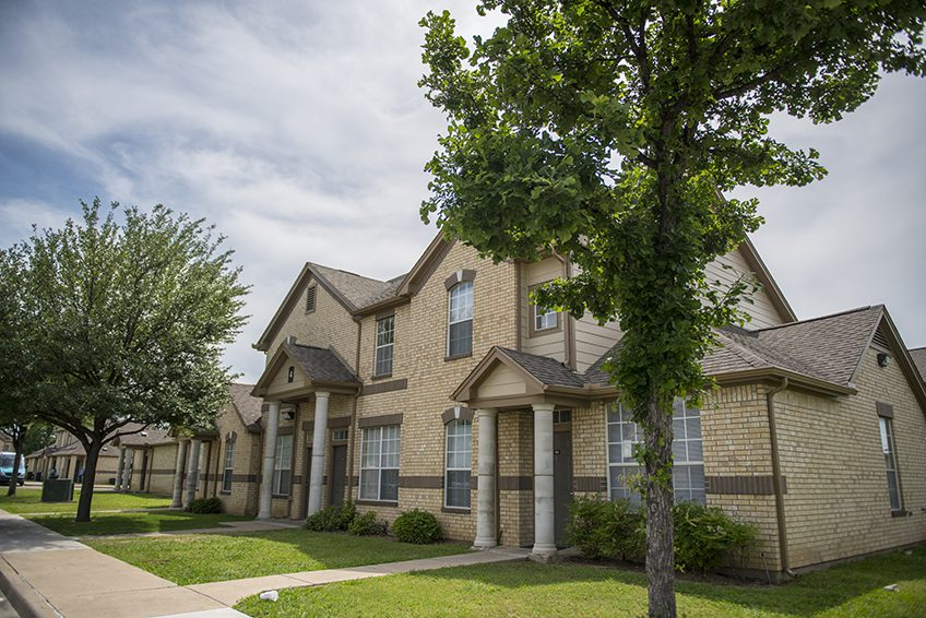 Lakeview Townhomes Dha Housing Solutions For North Texas
